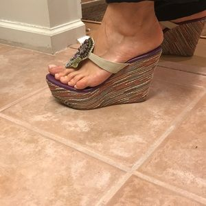 Shoes - Wedge thongs with stone accent 6.5